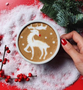 Christmas is coming! 🎄 You can tell as you can feel it all around. The lights the decorations, the cold chill in the air. But you know what really makes Christmas so special, it's Rudolph's red nose of course!! ☃️❤️ . #vannellicoffee #vannelli #christmas #coffee #coffeetime #latteart #latteartgram #latteartporn #snow #snowman #cappuccino #cappuccinoart #barista #baristalife #baristagram #breackfast #christmasdecorations #snowwhite #specialtycoffee #roastery #rudolph #specialtycoffee #cappuccinotime #barista #baristalife