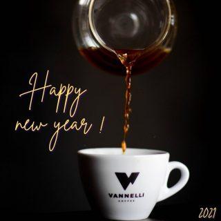 Happy New Year ! 🎊🔥 #vannellicoffee #coffee #espresso #espressoshot #espressoitaliano #coffeetime #coffeelover #coffeeaddict #barista #baristalife #baristagram #new #newyear #2020 #2021 #specialtycoffee #specialty #happy #happynewyear