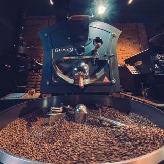 We started our day by roasting some coffee 🔥🔥🔥⠀⠀⠀⠀⠀⠀⠀⠀⠀ #vannellicoffee⠀⠀⠀⠀⠀⠀⠀⠀⠀ #WeAreNotDecaf⠀⠀⠀⠀⠀⠀⠀⠀⠀ #VSCoffee⠀⠀⠀⠀⠀⠀⠀⠀⠀⠀⠀⠀⠀⠀⠀⠀⠀⠀ #GrabTheCup⠀⠀⠀⠀⠀⠀⠀⠀⠀ #VannelliRoastingDay