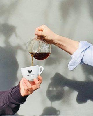 Remember to drink enough coffee to boost your week!⠀⠀⠀⠀⠀⠀⠀⠀⠀ ⠀⠀⠀⠀⠀⠀⠀⠀⠀ #vannellicoffee #specialtycoffee #italianspecialtycoffee #wearewhatweroast #addictedtovannellicoffee #VScoffee #artisanalroastery #roaster #coffeeroaster #greenbeans #specialtycoffeeroastery #coffeeculture #thirdwavecoffee #singleorigin #coffeelover #premiumseries