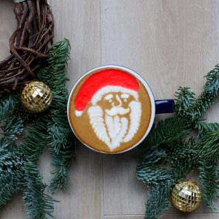 Merry Christmas 🎄 ❤️ . . #vannellicoffee #coffee #coffeetime #coffeelover #latte #latteart #latteartgram #latteartporn #christmas #santaclaus #babbonatale #cappuccino #cappuccinoart #cappuccinotime #espresso #espressoitaliano #barista #baristalife #baristagram #specialtycoffee #specialtycoffeeshop #specialtycoffeeroaster